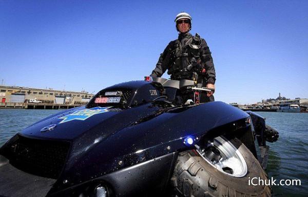 赠30万元警用水陆两栖巡逻车高清图片