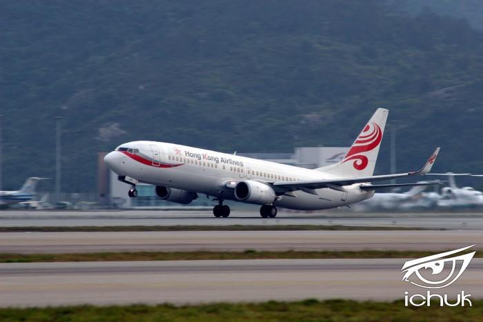 1599px-Hong_Kong_Airlines_B-KBE_taking_off_at_Hong_Kong_International_Airport.jpg