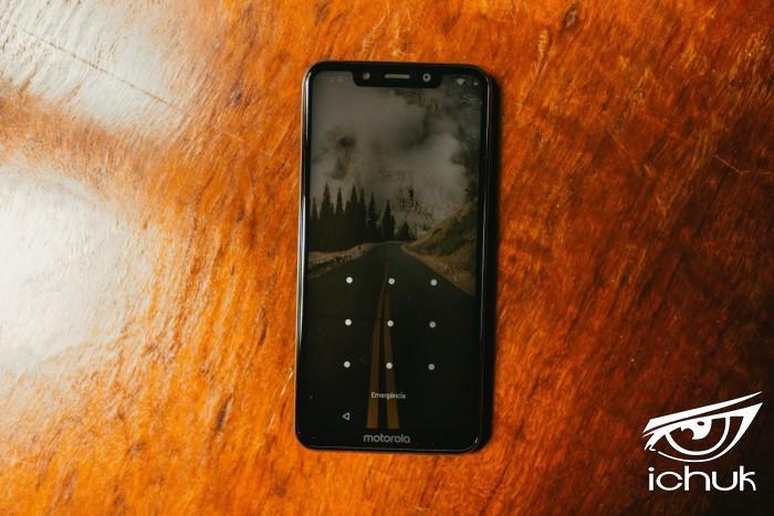 android_phone_mobile_phone_motorola_motorola_one_screen_smartphone-1562857.jpg!d.jpg