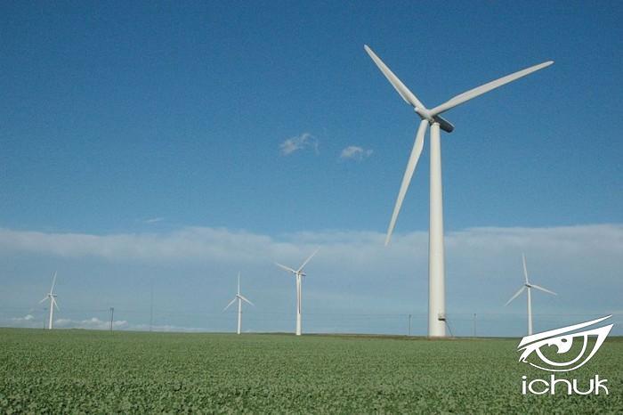 Wind_turbine_Holderness.jpg