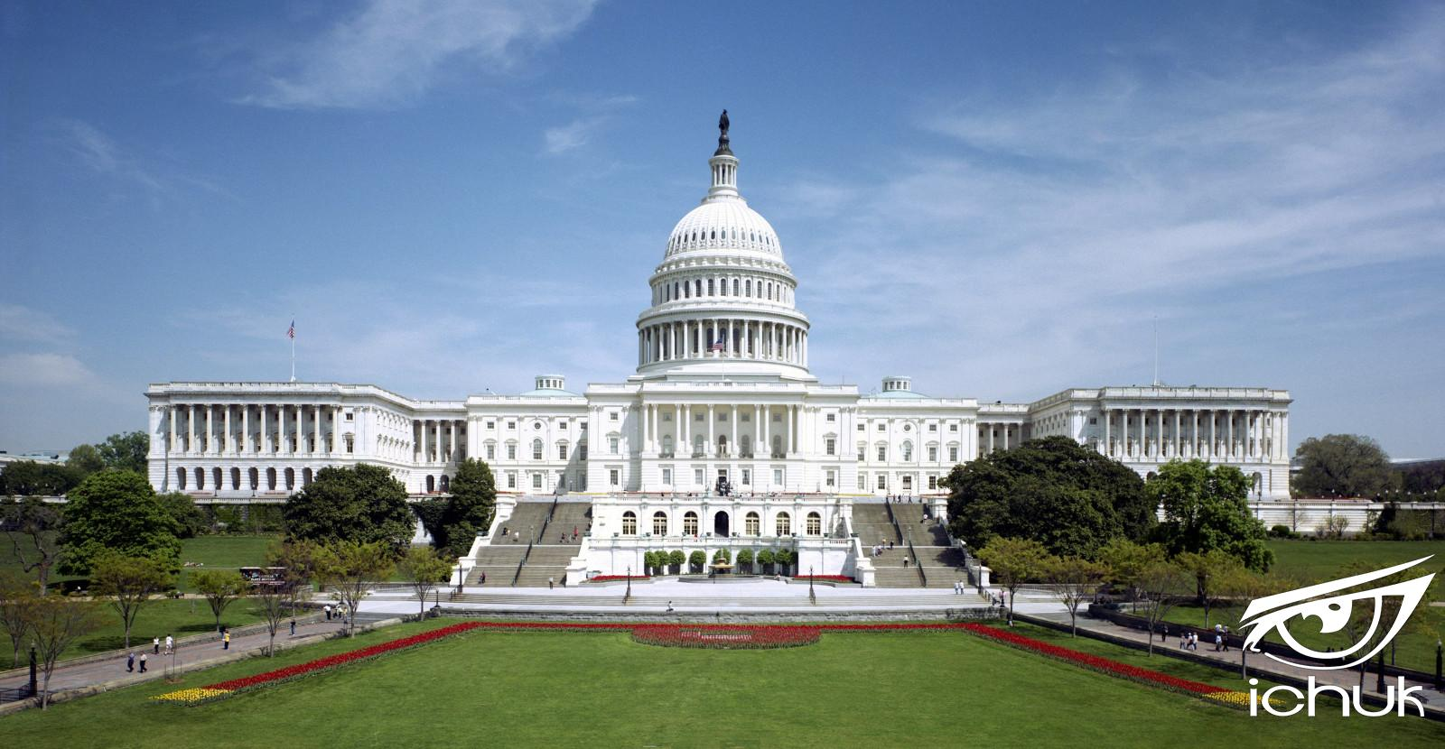2560px-United_States_Capitol_-_west_front.jpg